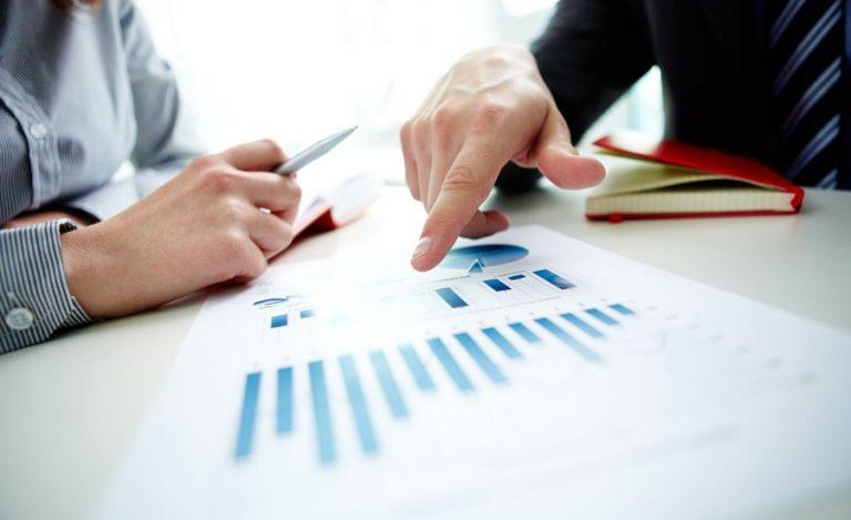 Confianza empresarial sigue a un bajo nivel pese a leve alza en el IMCE
