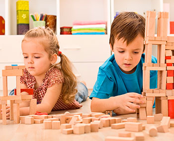 El desarrollo y estimulación de los niños pequeños