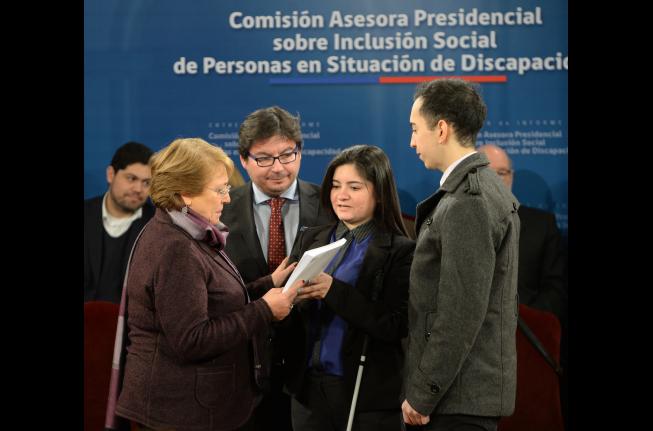 Bachelet recibe propuesta del Plan Nacional Sobre Inclusión Social de Personas en Situación de Discapacidad 2016-2026
