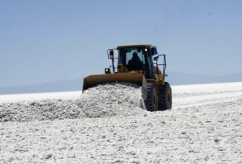 Principal productora de litio china proyecta comprar el 2% de SQM