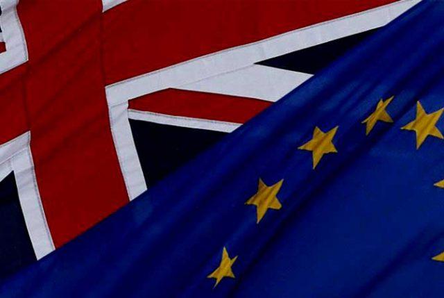 Brexit con elástico: Reino Unido acepta propuesta de la UE y salida se posterga hasta el 31 de octubre