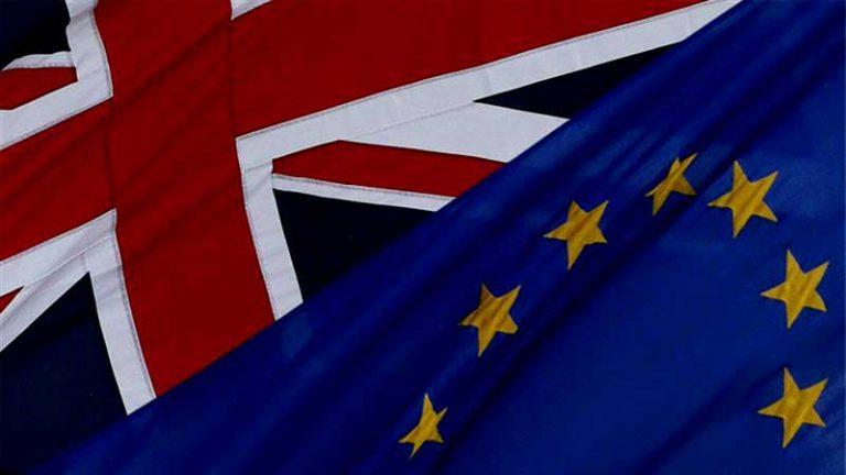 """Economía británica sufre el mayor retroceso desde 2009 tras """"Brexit"""""""