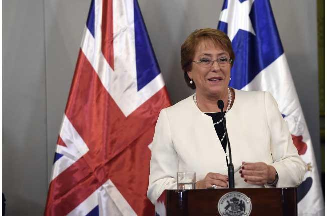 Plaza Pública Cadem: 46% apoya querella de Bachelet a Qué Pasa