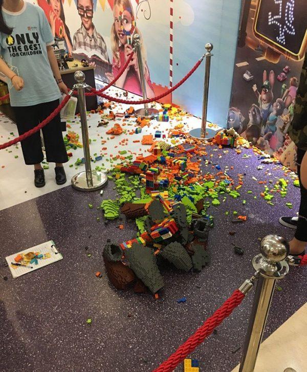 escultura-lego-zootropolis-destruida-china-3