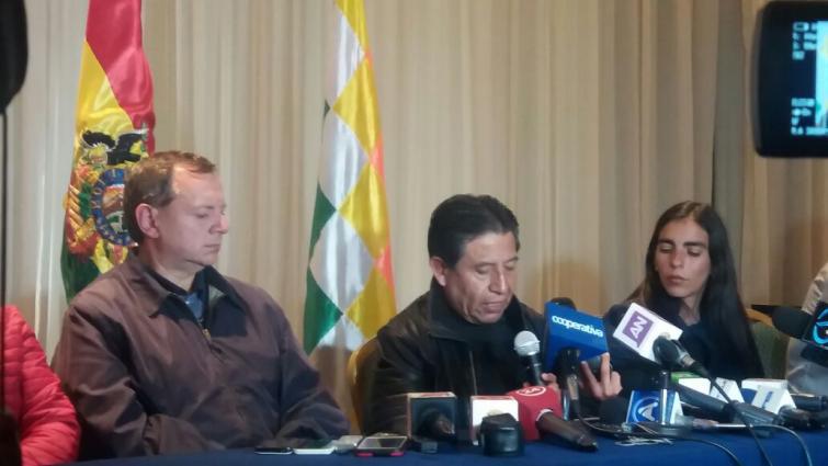 """(VIDEO) Visita de comitiva boliviana a Antofagasta concluye con desafiante """"Marcha Naval"""""""