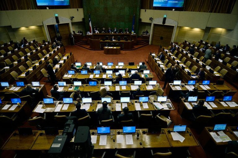 Derecha arma interpelación contra ministra Blanco y no llega a votar