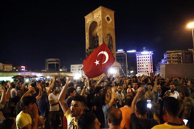 "Amnistía Internacional aseguró que existen ""pruebas creíbles"" de torturas tras fallido golpe en Turquía"