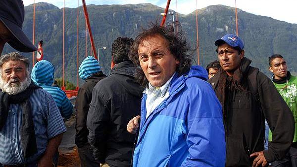 """Pescadores de Aysén denuncian: """"Iván Fuentes debe reconocer que las pesqueras y Piñera lo compraron para impulsar la Ley Longueira"""""""