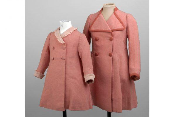Pink-coats-worn-by-Princesses-Elizabeth-and-Margaret-queen-vogue-20apr16-pr_b