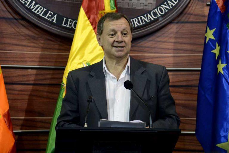 """Bolivia  sigue toreando a Chile y oficializa solicitud de """"diálogo humanitario"""""""