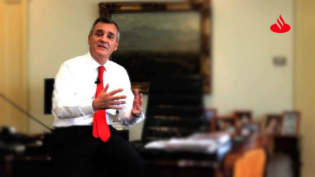 Gerente general de Santander acusa al Gobierno de avanzar en reformas sin escuchar a los detractores
