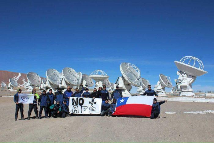 funcionarios del Observatorio ALMA en la cordillera de La Serena también se manifiestan contra las AFP.