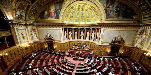 Parlamento francés prórroga estado de emergencia hasta enero de 2017