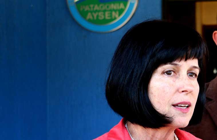 """Aysén sale en apoyo de la rectora Pey: """"Quienes vivimos en esta tierra tenemos derecho a incidir en su diseño y desarrollo"""""""