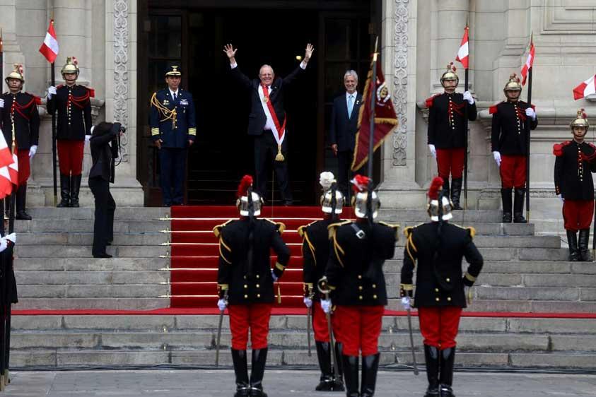 """PPK asume mando del Perú: """"Un pueblo educado no se equivoca"""""""