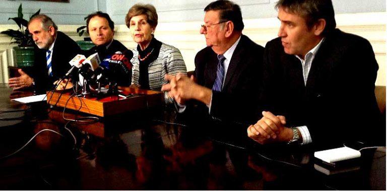 Esquizofrenia parlamentaria: Senadores de la Nueva Mayoría y de Chile Vamos aprobaron controvertido sistema de pensiones de retiro sin tope para Gendarmería