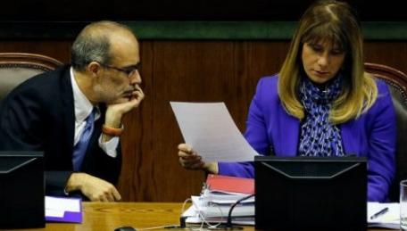 Cadem: Equipo económico del gobierno obtiene un 4,2