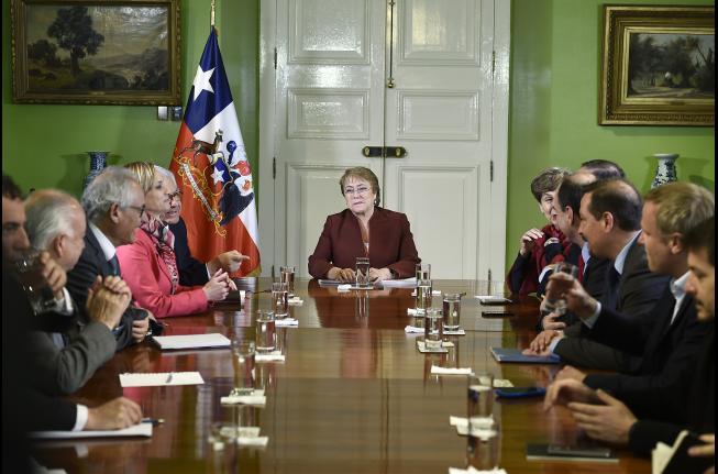 Bachelet abre el debate sobre reforma al sistema de pensiones