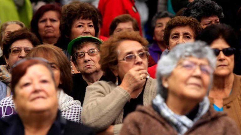 Un 96% de empresas del retail, servicios y turismo está dispuesto a contratar a adultos mayores