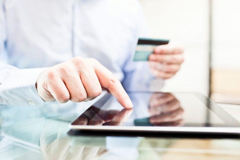 Ecommerce: 53% de los chilenos compra entre impulsiva y  racionalmente