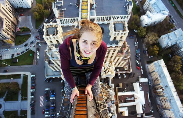 selfies-peligrosos-escalar-angela-nikolau-rusia-10