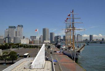 B.E. Esmeralda llega a Tokio