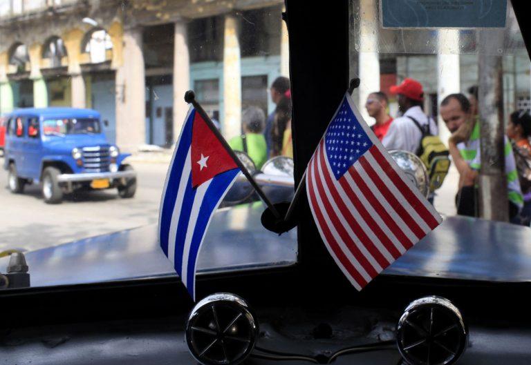 Obama nombra a primer embajador en Cuba en más de 50 años
