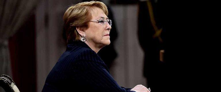 Bachelet desmiente renuncia de ministros del comité político