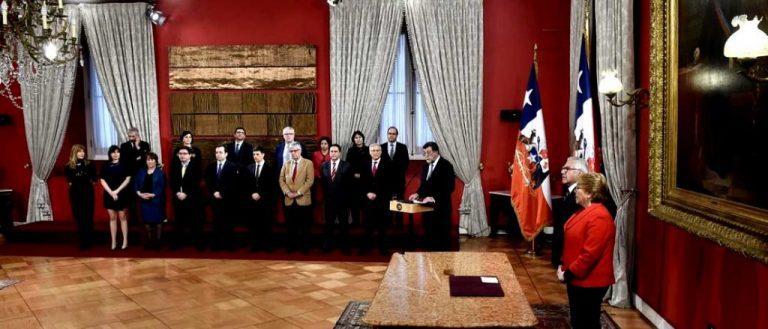 """""""Ajuste"""" de Gabinete, el sexto de Bachelet: Vocería, Trabajo y Deportes"""