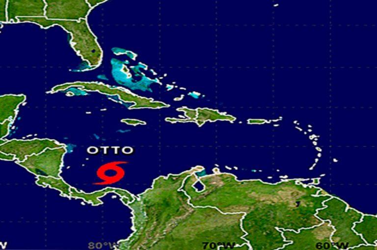 Tormenta tropical Otto amenaza en convertirse en huracán