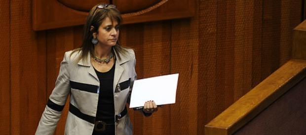 Correo vincula a senadora Van Rysselberghe con imputado en caso Corpesca