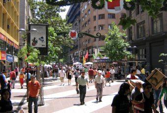 El 44% de los chilenos prefiere consumir marcas comprometidas con la comunidad