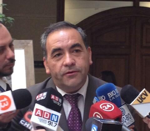 """Diputado Fidel Espinoza (PS): """"El perdón debe ir de la mano con la entrega de información"""""""