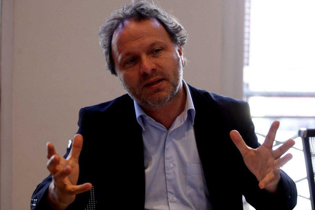 """De Urresti en picada contra la CNC que presentó recurso contra el Sernac: """"una maniobra contra los derechos de los consumidores"""