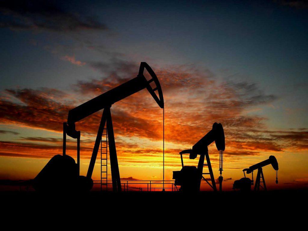 Coletazos de la Guerra Comercial: Precio del petróleo cae a niveles de enero pasado