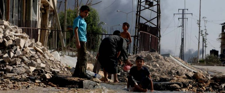 Dramático reporte de Unicef: 60 % de los civiles que huyen de Alepo son niños