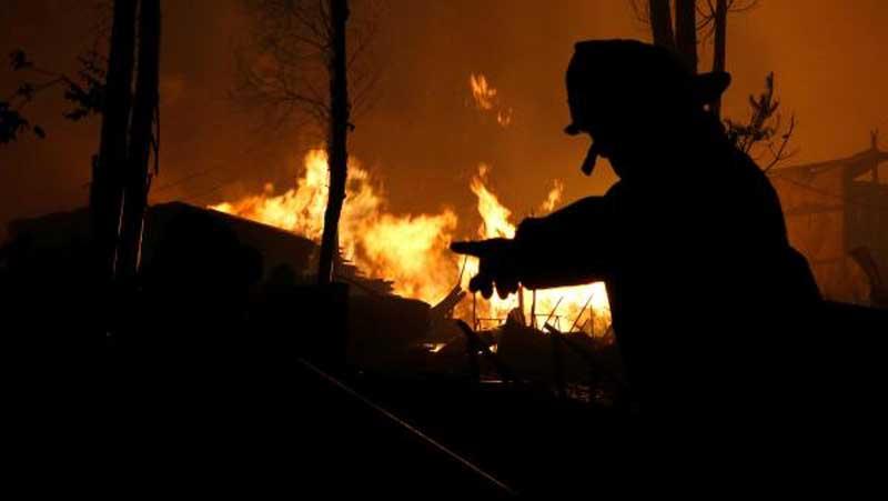 """Desde Francia: """"Chile, en llamas"""""""