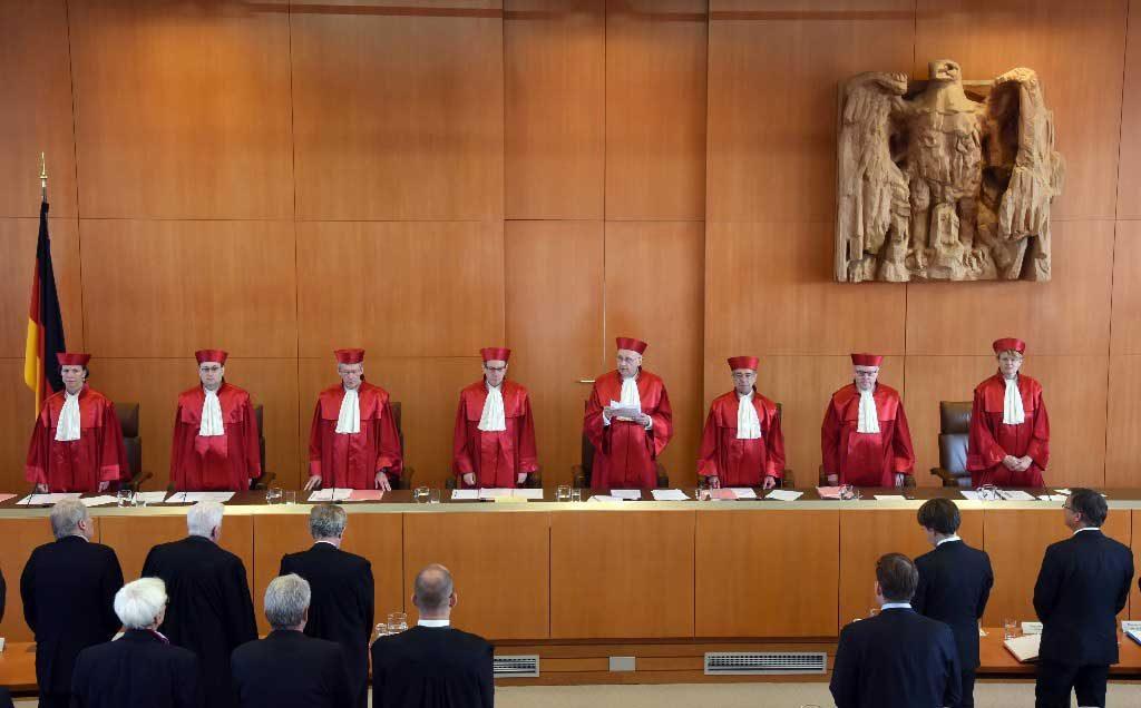 Alemania: Tribunal Constitucional rechaza ilegalización de partido neonazi NPD
