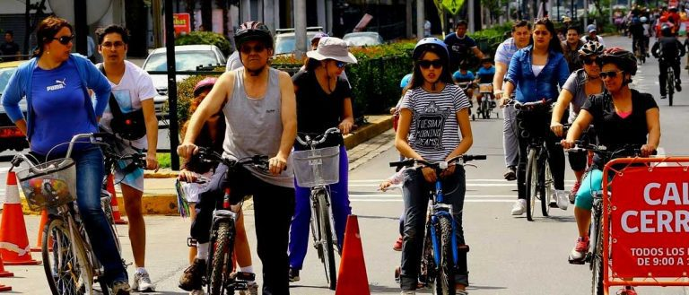 Atención ciclistas: Senadores piden uso obligatorio de chaleco reflectante