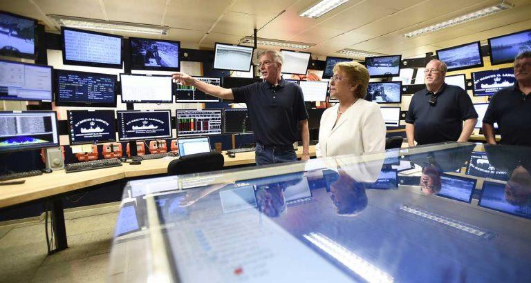 Bachelet visita barco de investigación científica que analiza la ocurrencia de terremotos y tsunamis