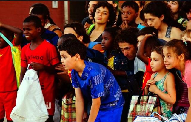 Performance en Santiago a Mil reivindica y pone en valor los relatos de los migrantes