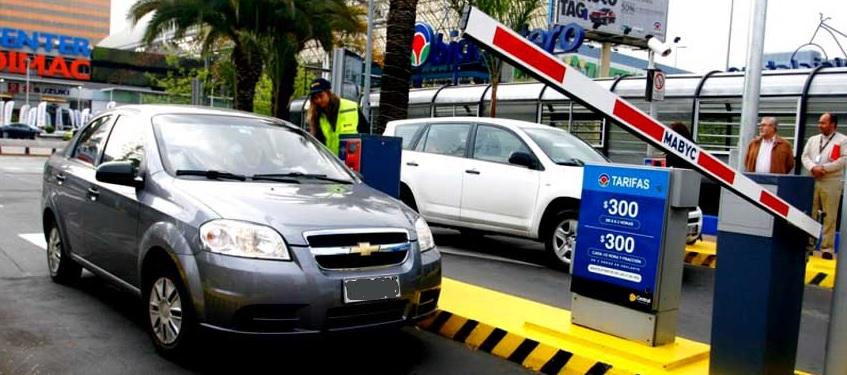 En el Congreso, el Gobierno intenta revertir la abusiva Ley de estacionamientos aprobada por este mismo Parlamento