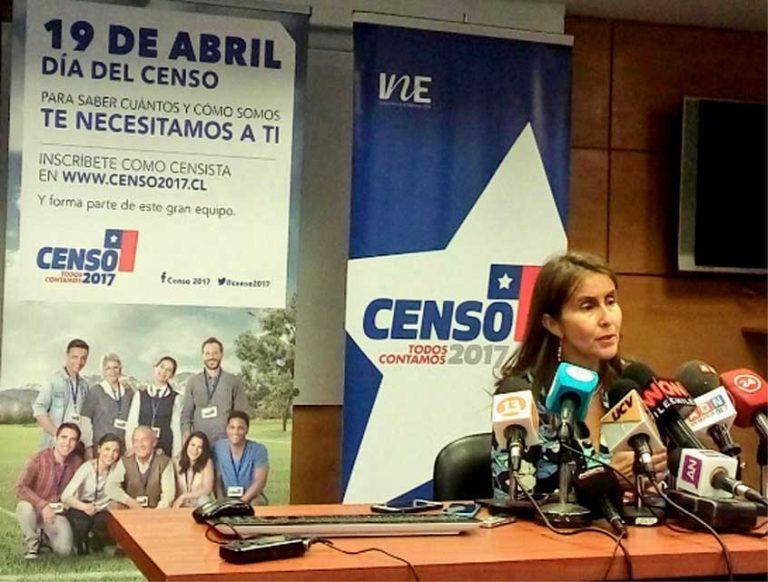 Censo 2017: Directora del INE se reúne con migrantes de Antofagasta