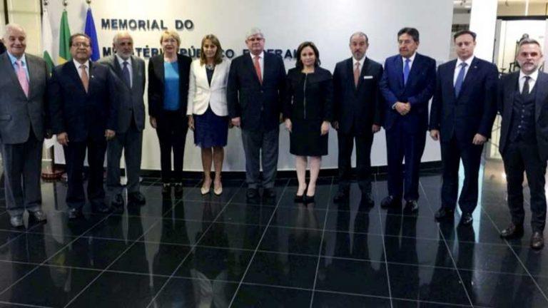 """Brasil: Fiscales comprometen cooperación para """"cazar"""" a los involucrados en  red de corrupción de Odebrecht"""