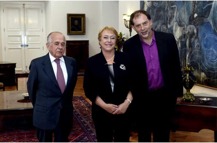 Bachelet recibe en La Moneda al presidente y vicepresidente del Senado