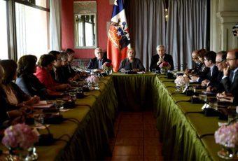 En Cerro Castillo, Bachelet entrega lineamientos para último año de Gobierno