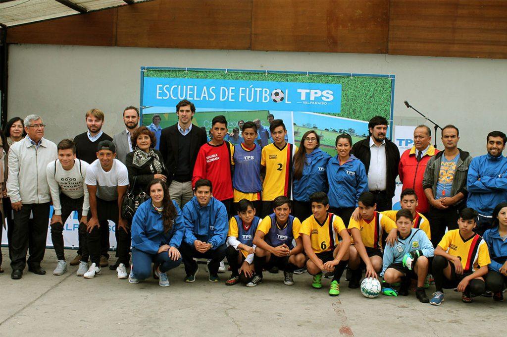 Con participación de 300 niños  comienzan las 11ª Escuelas de Fútbol TPS
