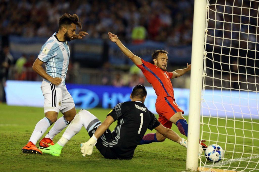 A penas gana Argentina con penal ejecutado por Messi
