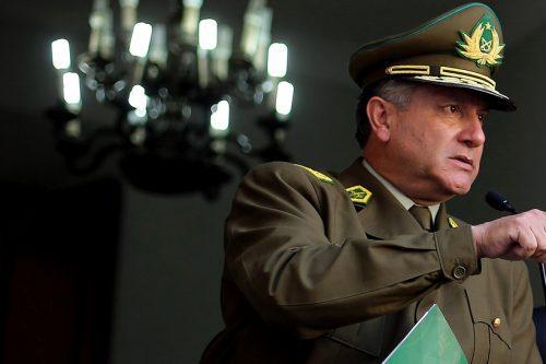General Villalobos da golpe de timón y reestructura su Alto Mando