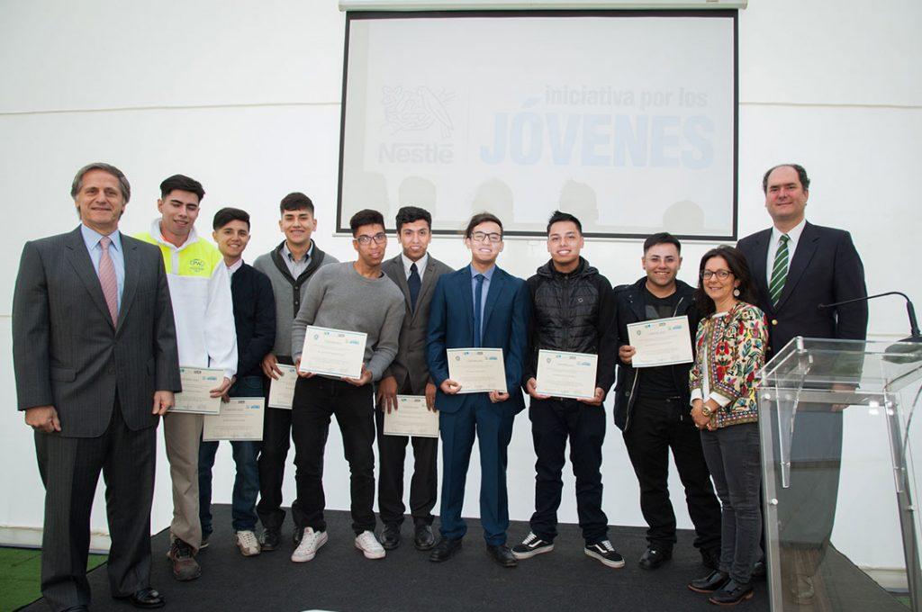 Alumnos de Liceo de San Joaquín finalizaron con éxito Programa de Formación Dual Nestlé